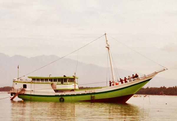 boat hijau